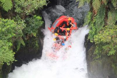 One inflatable raft versus mother nature.